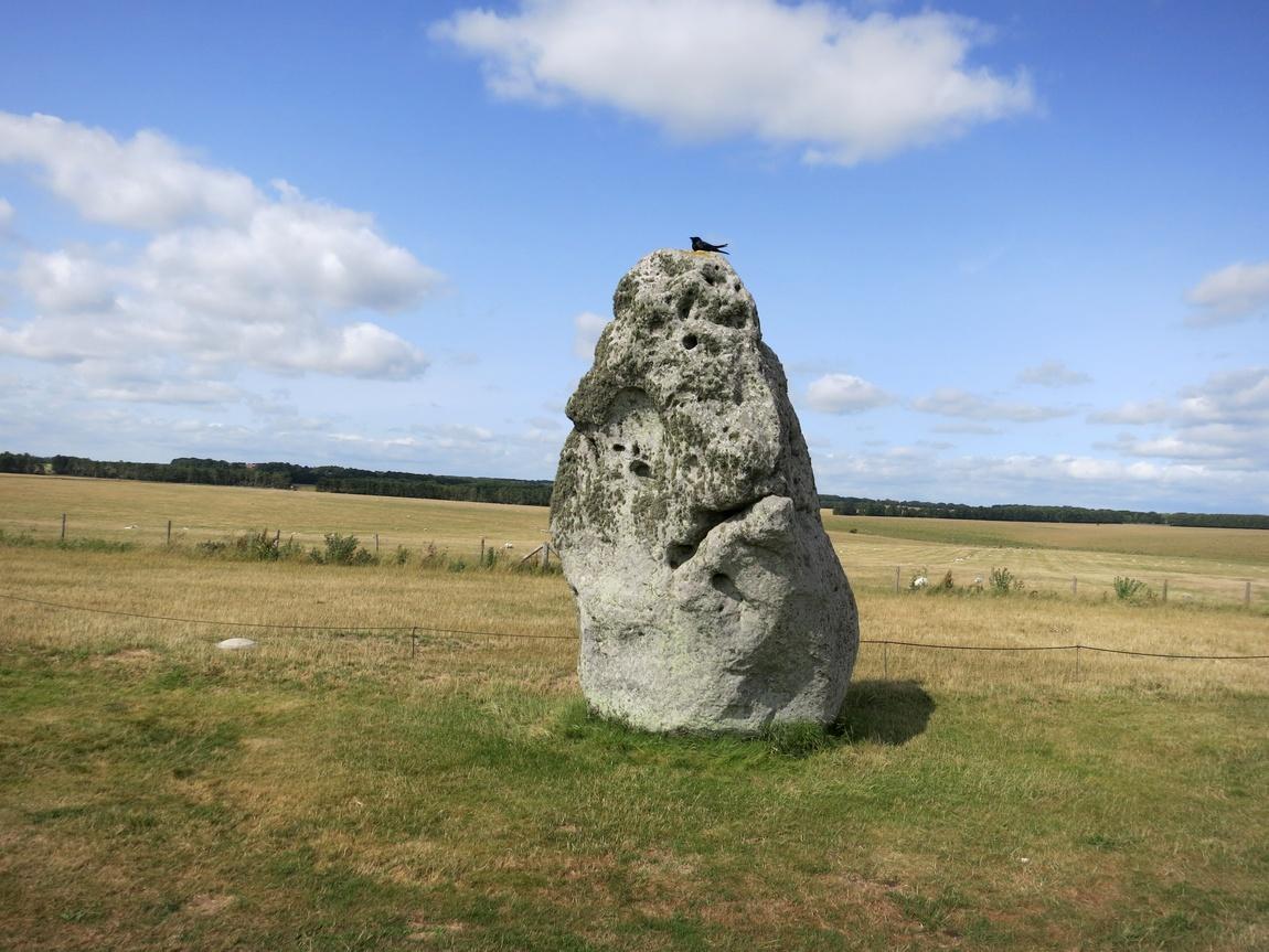 Одиночный камень и Стоунхендж