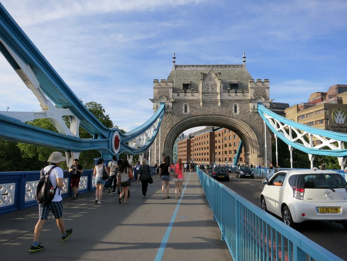 Тауэрский мост - самый знаменитый мост Лондона.