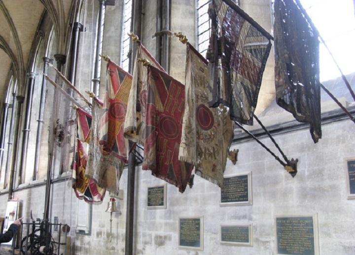 Древние знамёна - Солсберийский Собор