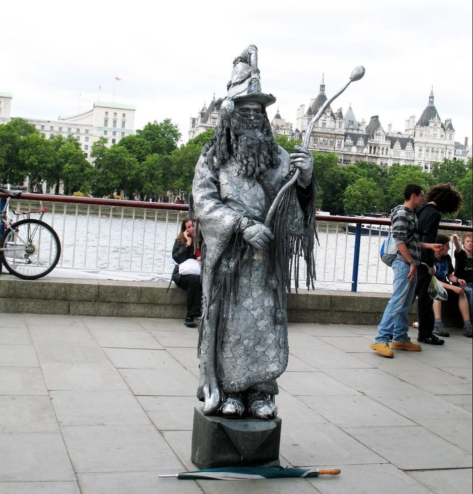 """Подаяние """"нищего"""" в Лондоне"""