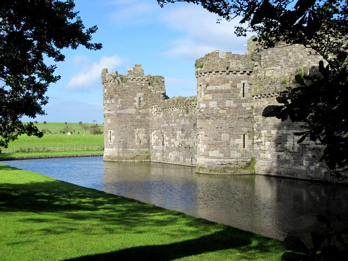 Замок Бомарис (Beaumaris Castle). Уэльс
