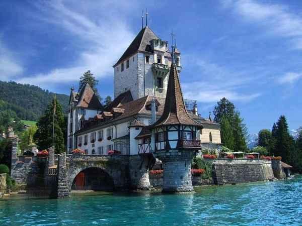 Замок Шпиц (Швейцария)