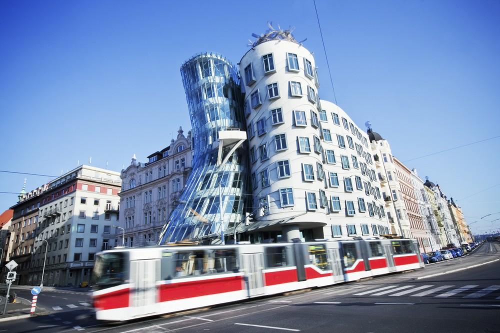 Тацующий дом в Праге (Чехия)