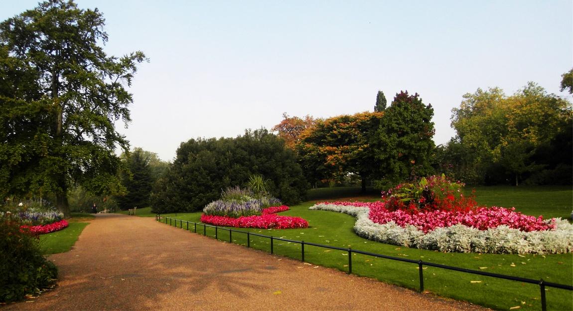 Гайд-Парк в Лондоне (Англия).