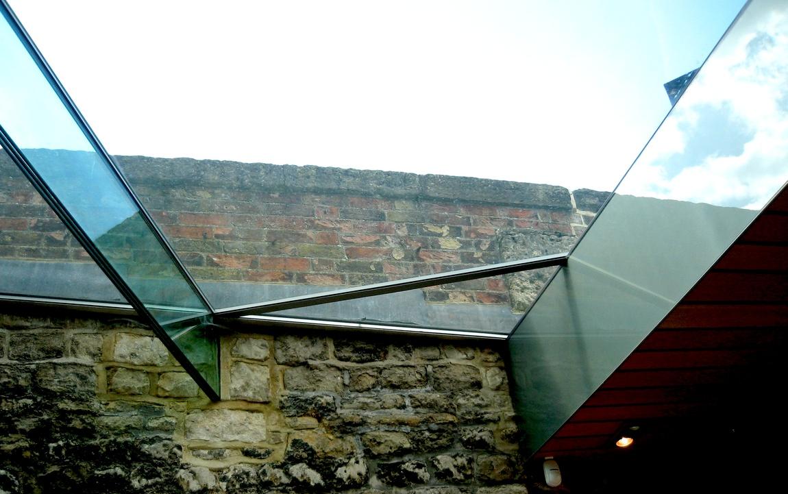 Стеклянная крыша в магазине Оксфорда (Англия)