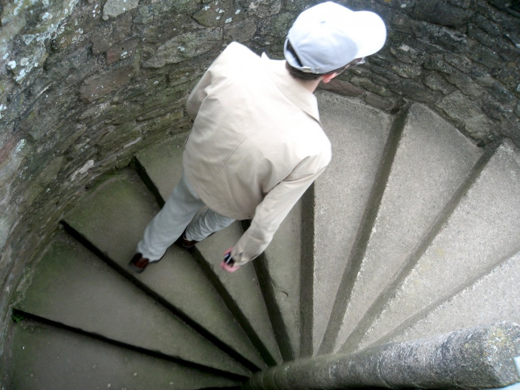 Лестницы винтовые в старинных замках Англии.