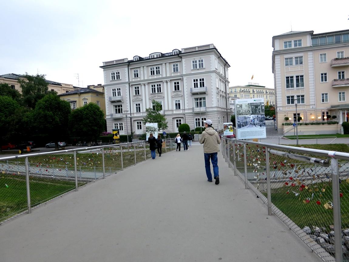 мост сзамочками Зальцбург (Австрия)
