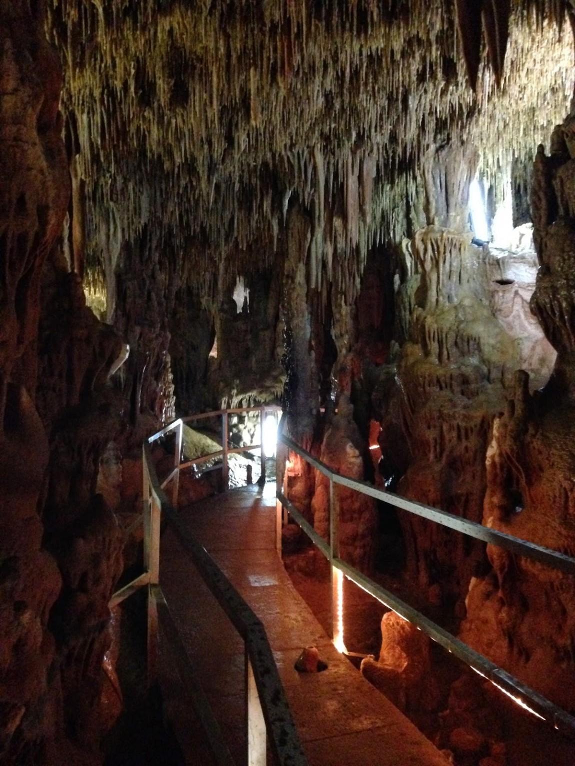 Петралонская пещера (Греция)