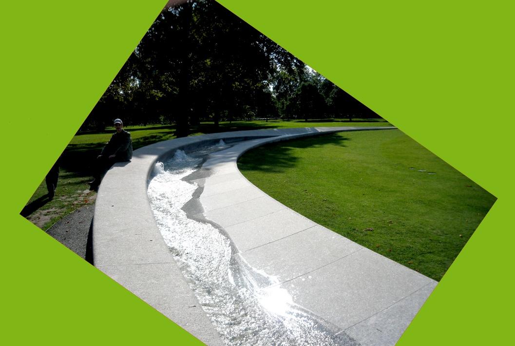 Искусственный ручеёк в парке Франции-Германии