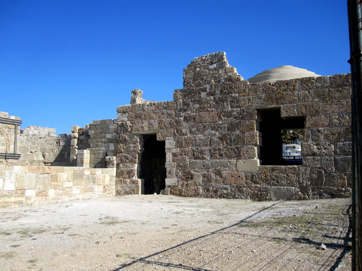 Руины Базилики в Сиде (Турция)