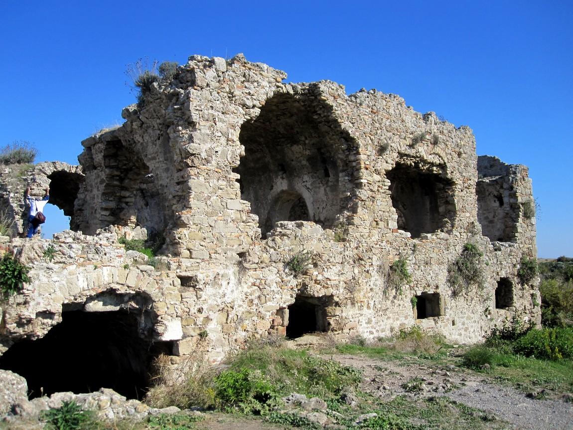 Византийский госпиталь в Сиде (Турция)