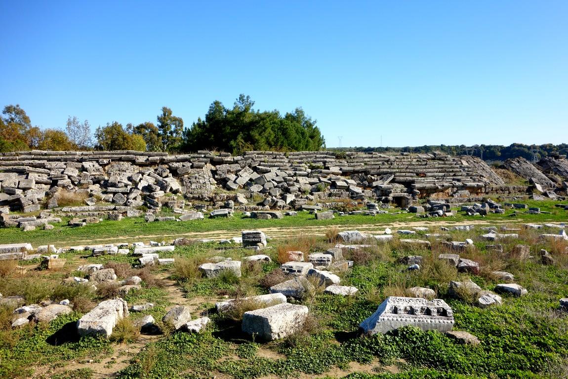 Древний стадион в Перге