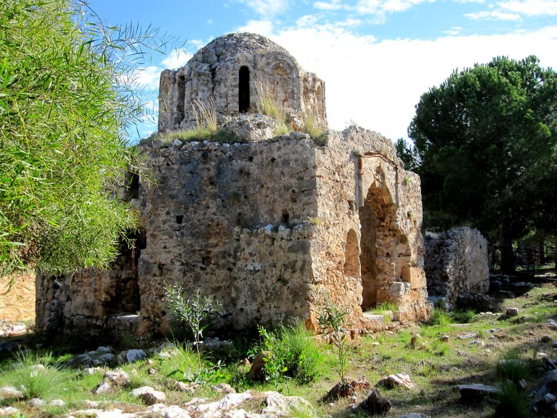 Остатки византийской капеллы XI века в Сельджукской крепости Аланья