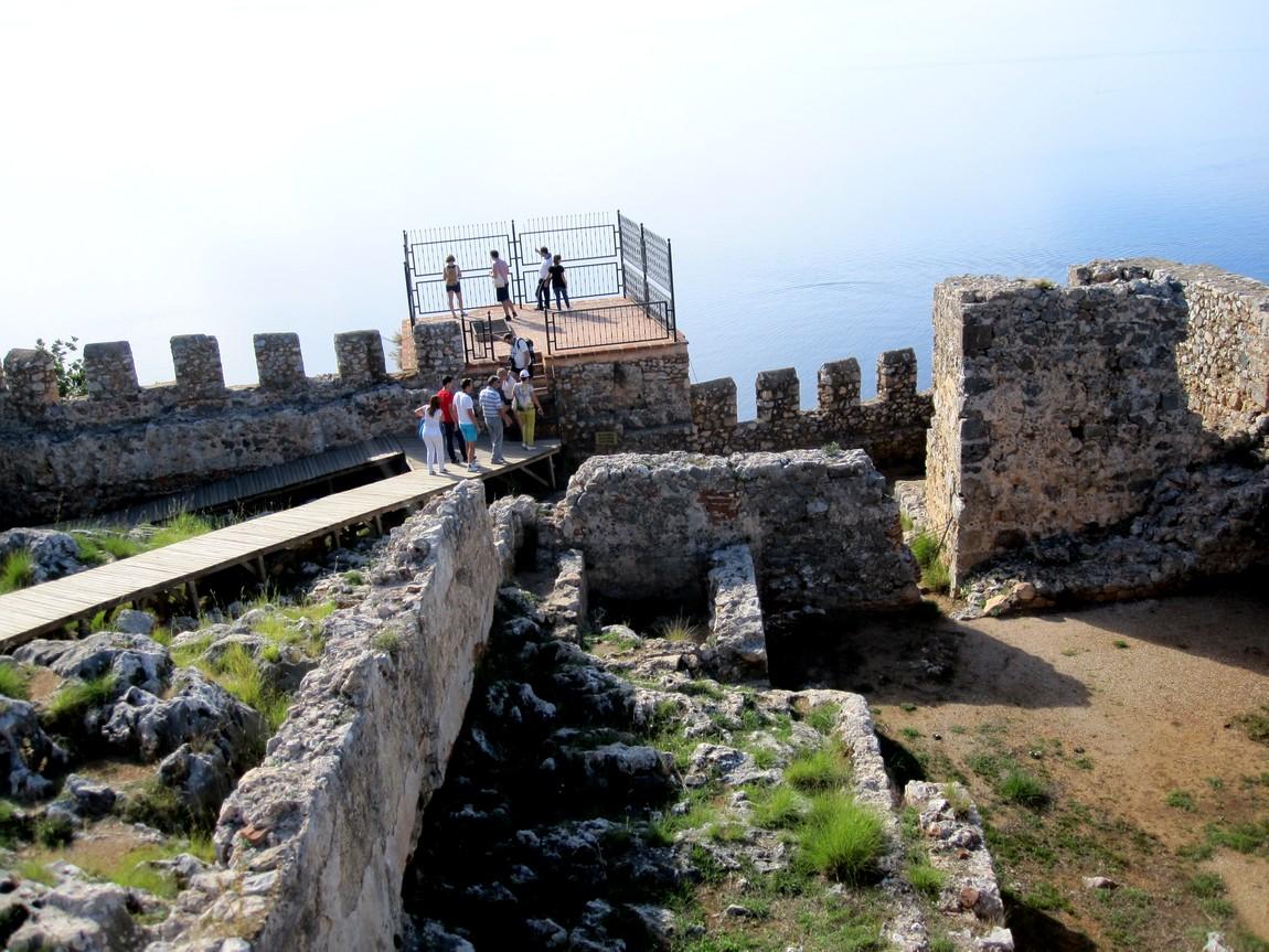 Площадка Адама Атаджагы в Сельджукской крепости в Аланьи