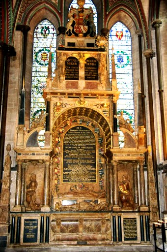 Хертфордский памятник - Солсберийский собор
