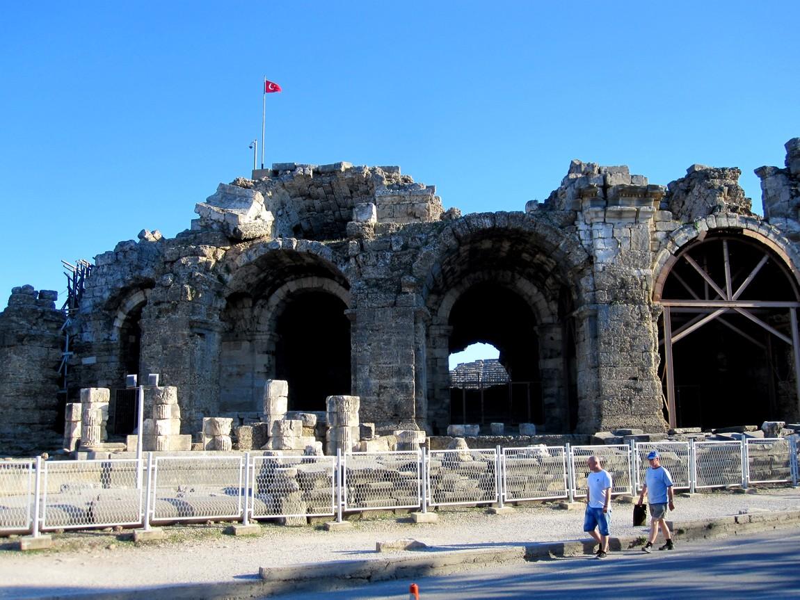Аничный театр в Сиде