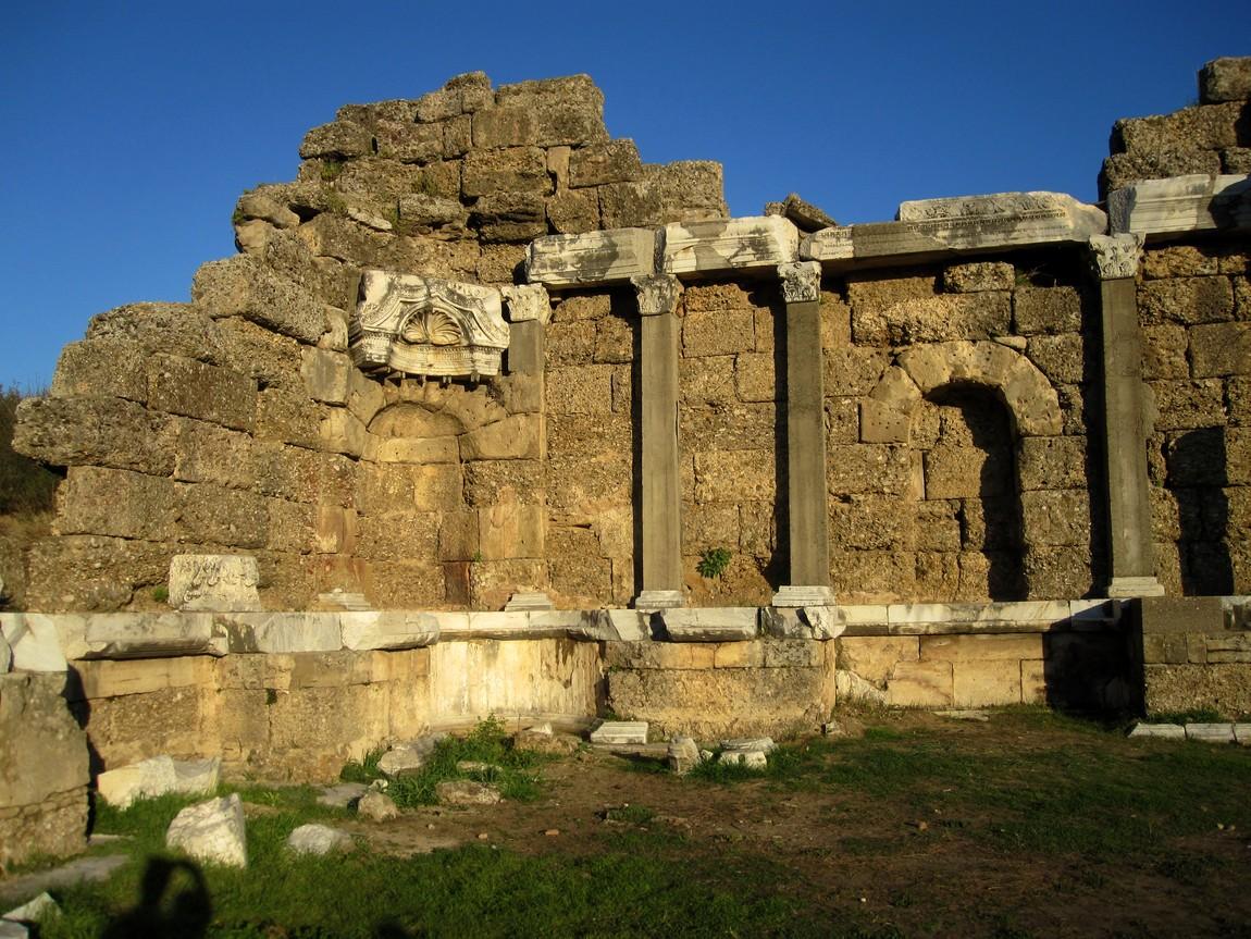 Руины в Сиде (Турция)