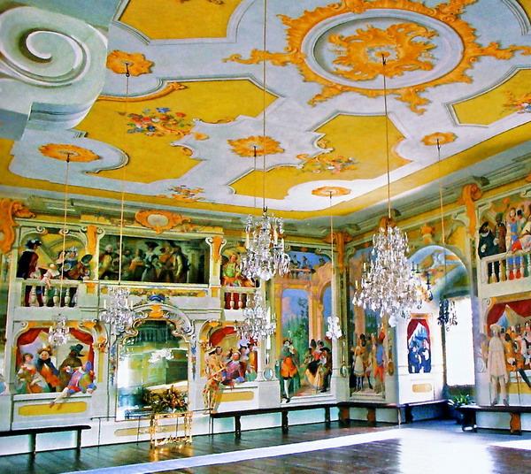 Чешский замок - маскарадный зал