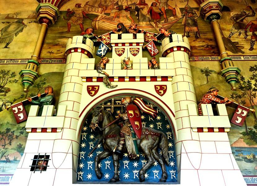 Камин в банкетном зале замка Кардифф