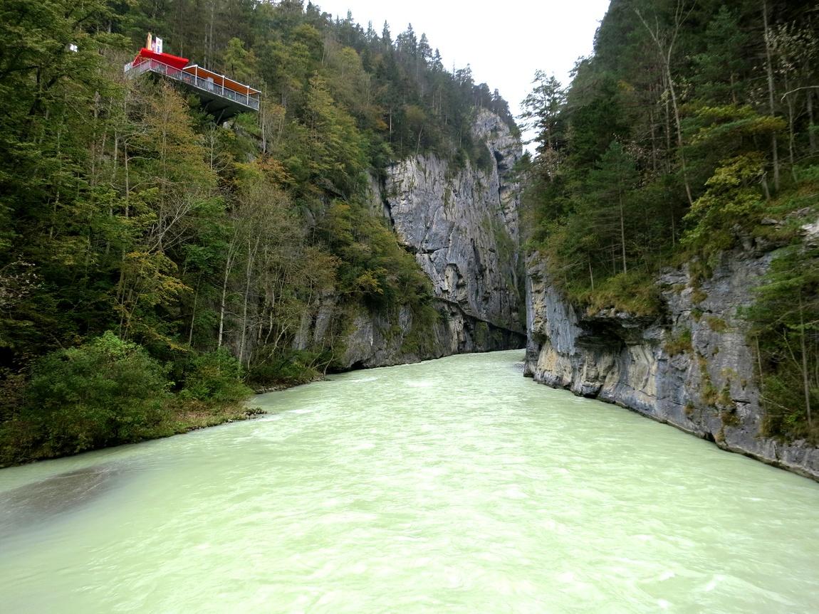Река Ааре и каньон в Швейцарии