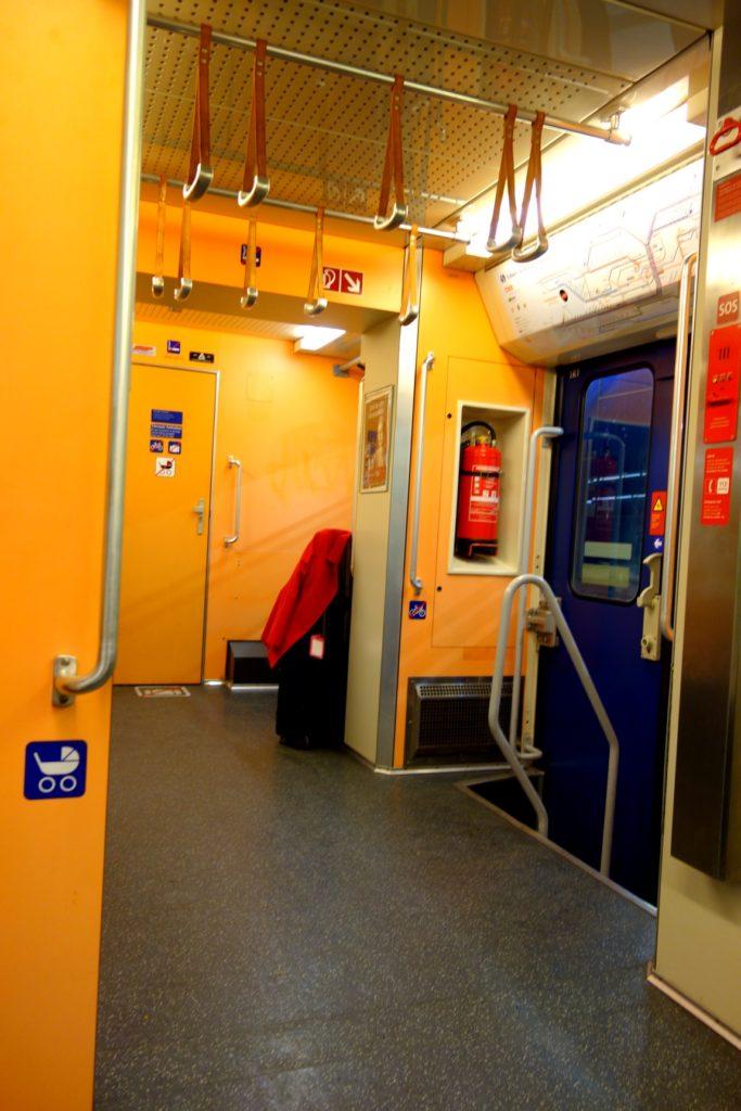 Вагон в метро Вены