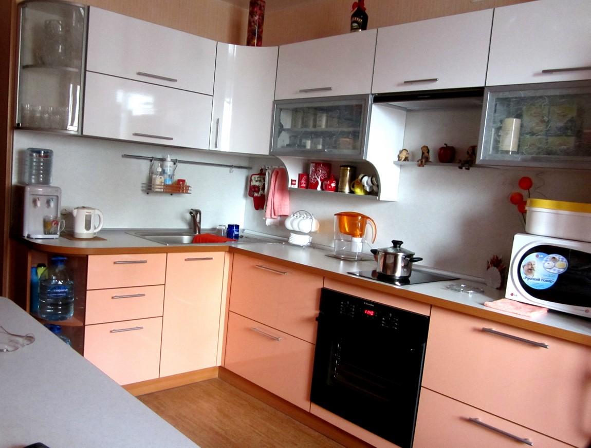 Кухня персиковая