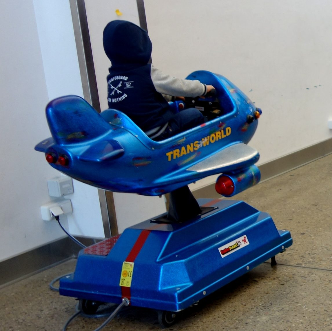 Для развлечения детей в Аэропорту Мемминген - Германия