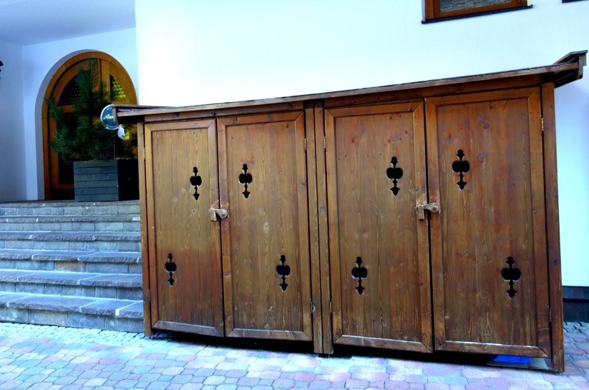 Старые шкафы в Австрии