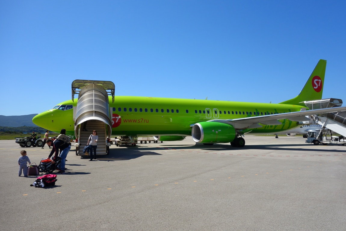 Посадка самолёта в Черногории