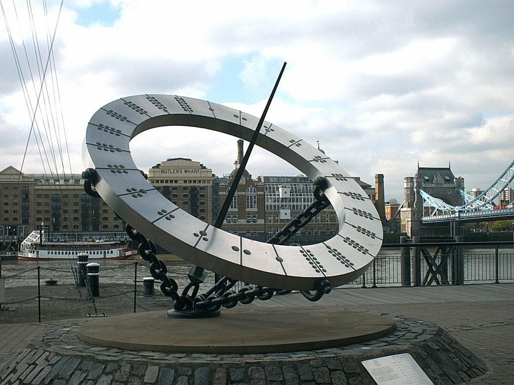 Часы солнечные Лондон
