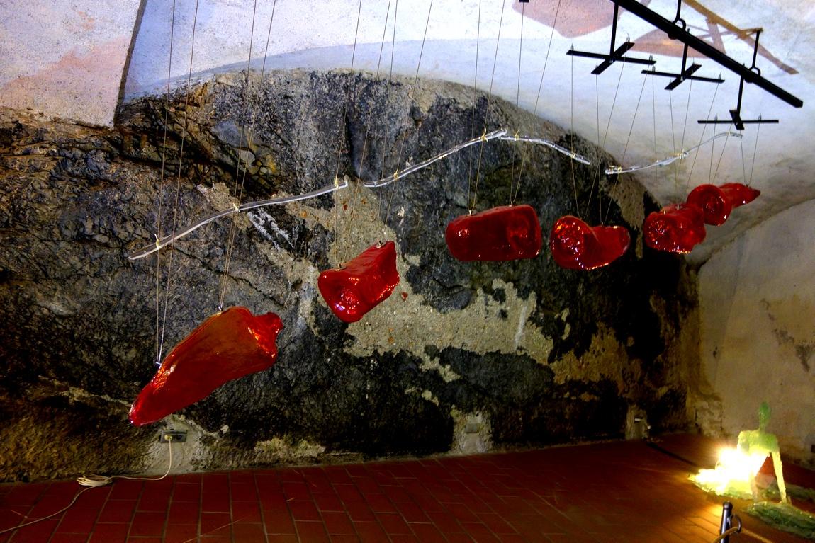 Инсталляция в замке Австрии