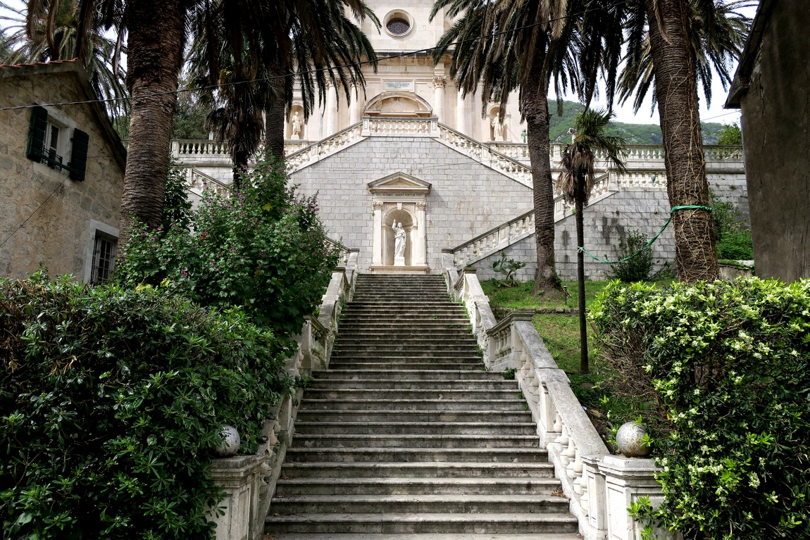 Католический храм Рождества Богоматери (Bogorodicin hram) Черногория - Прчань