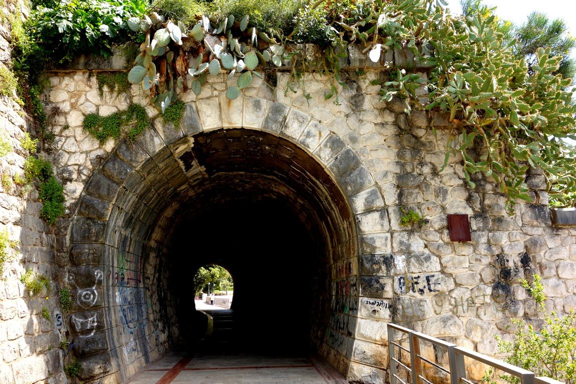 Херцег-Нови (Черногория) - туннель