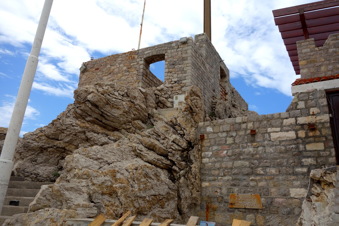 Венецианская крепость в Черногории