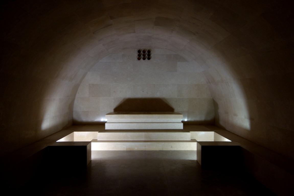 Мавзолей Негоша - мраморный саркофаг