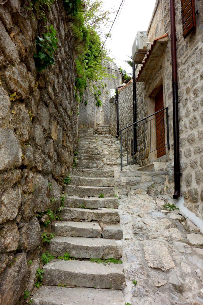 Черногория - старые улочки г. Пераст