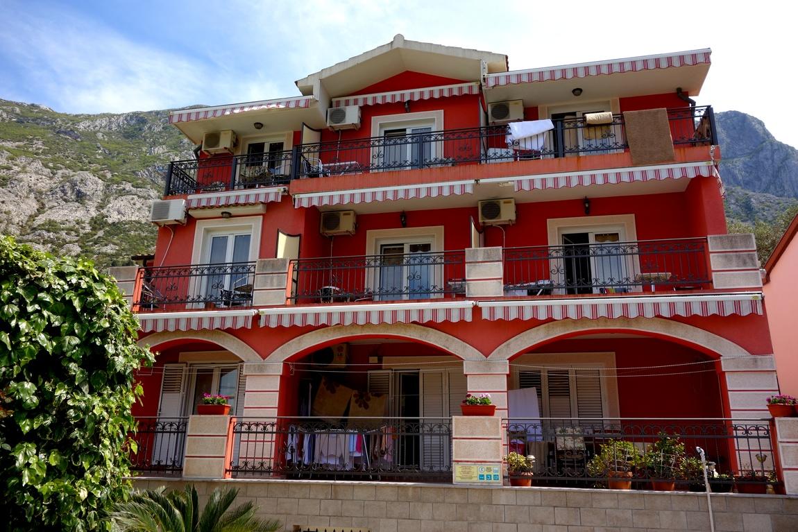 Гостиница в г. Доброта (Черногория)