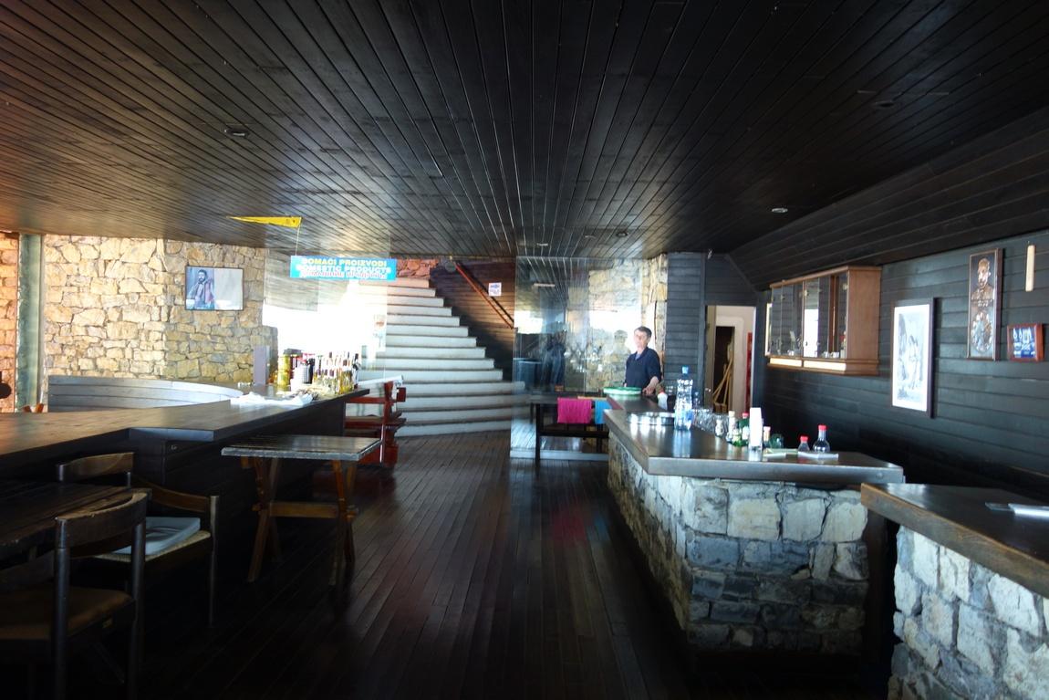 Кафе-бар на горе в Черногории