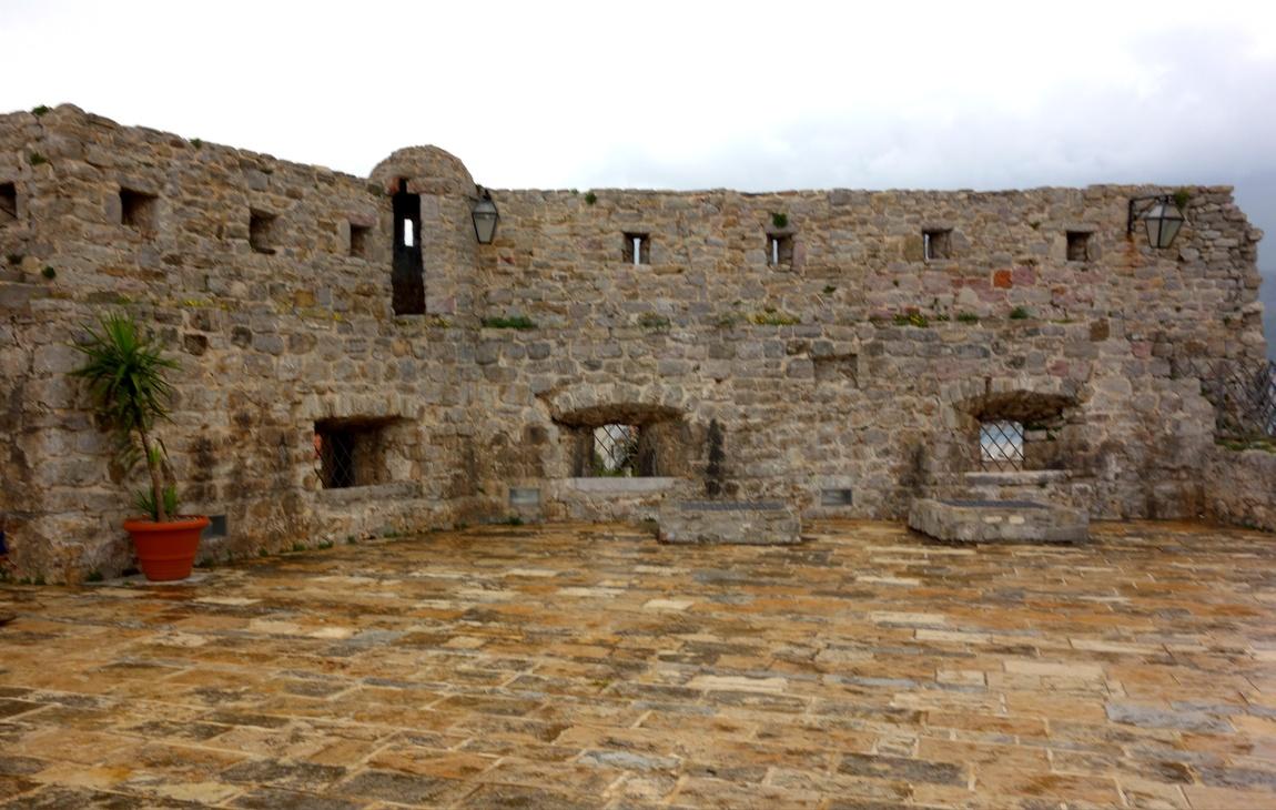 Крепость в Будве (Черногория)