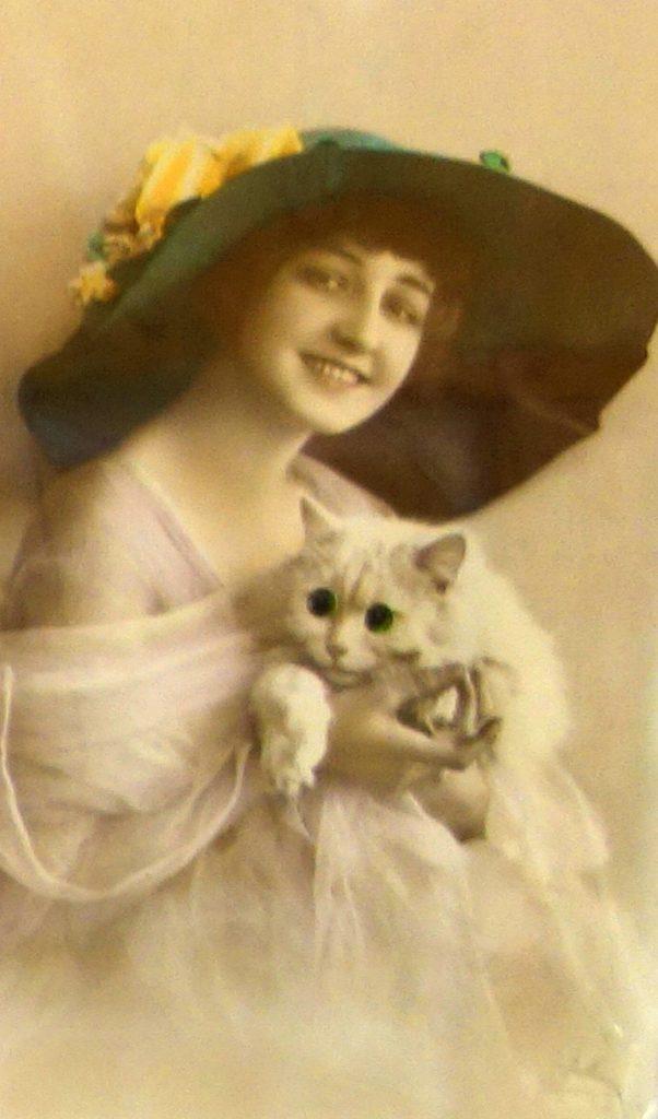 кошка - старинная открытка