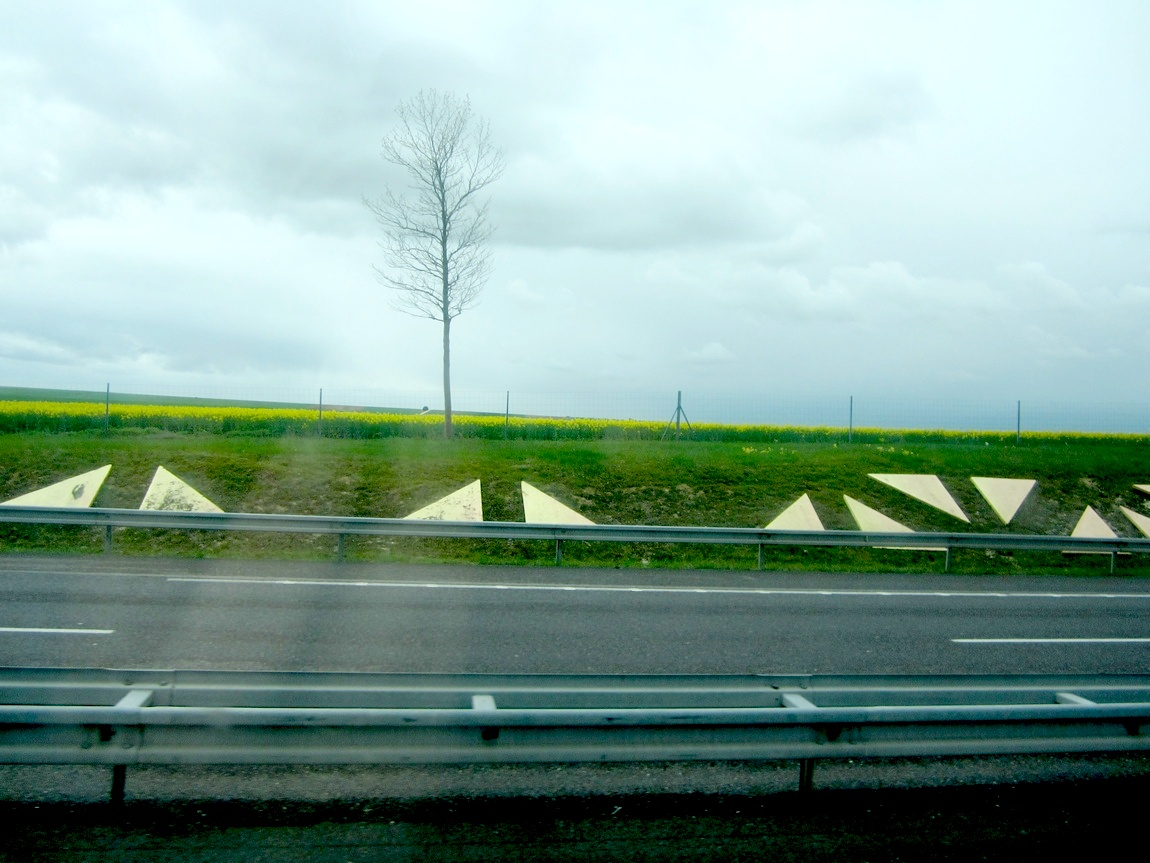 Фигуры на дорогах Франции и Германии.