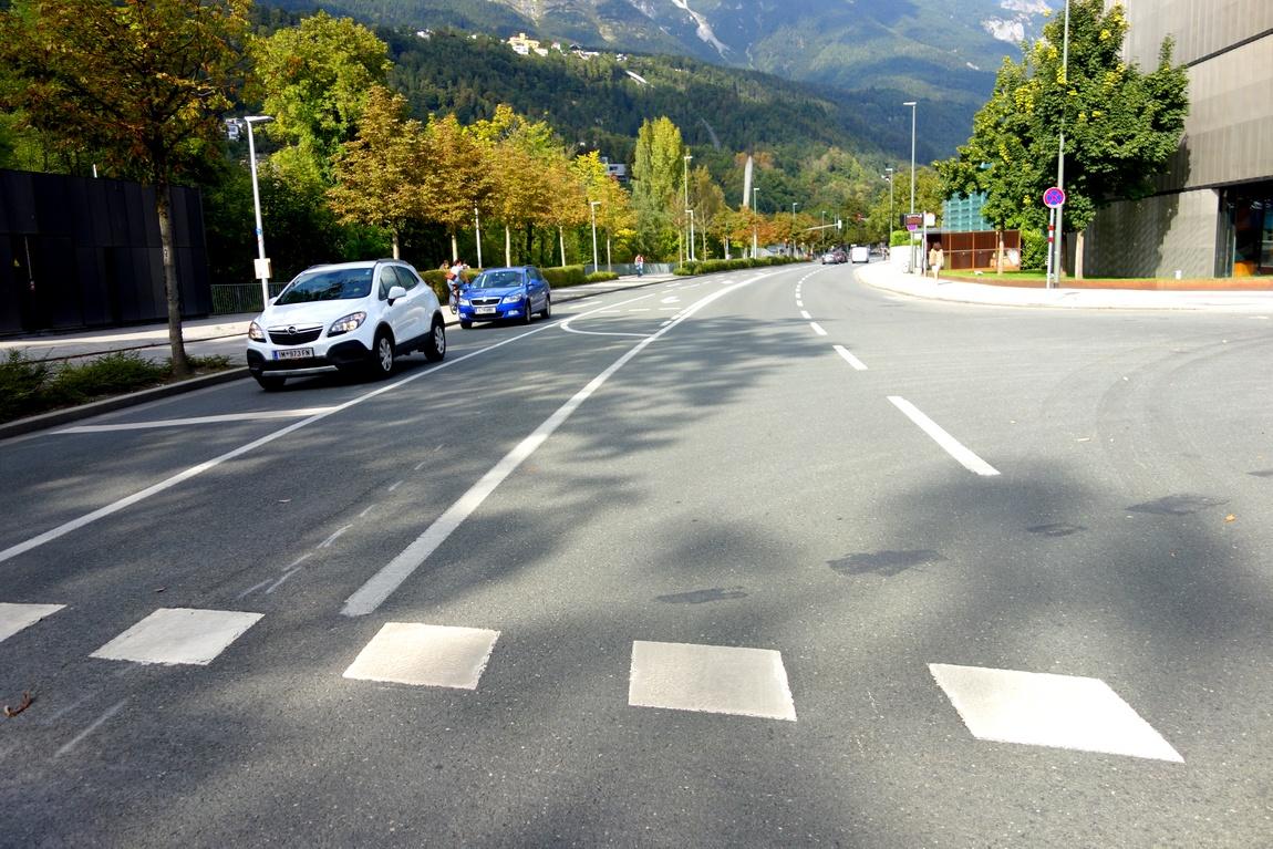 Переход в посёлке Австрии
