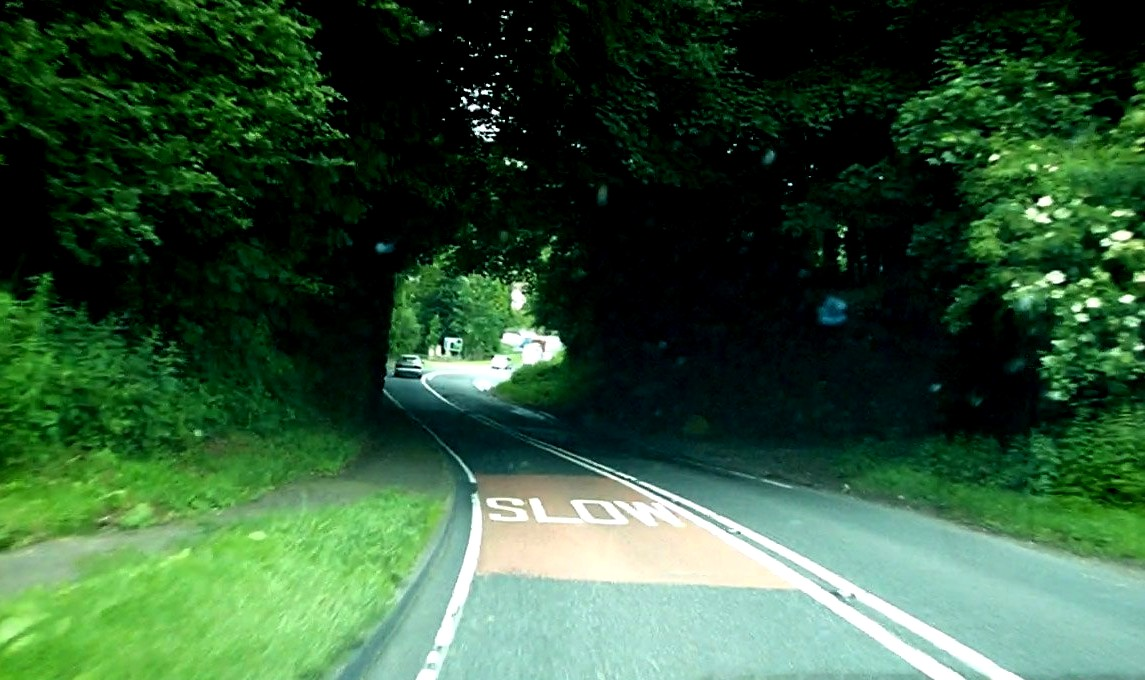 Дорога - тоннель в Англии