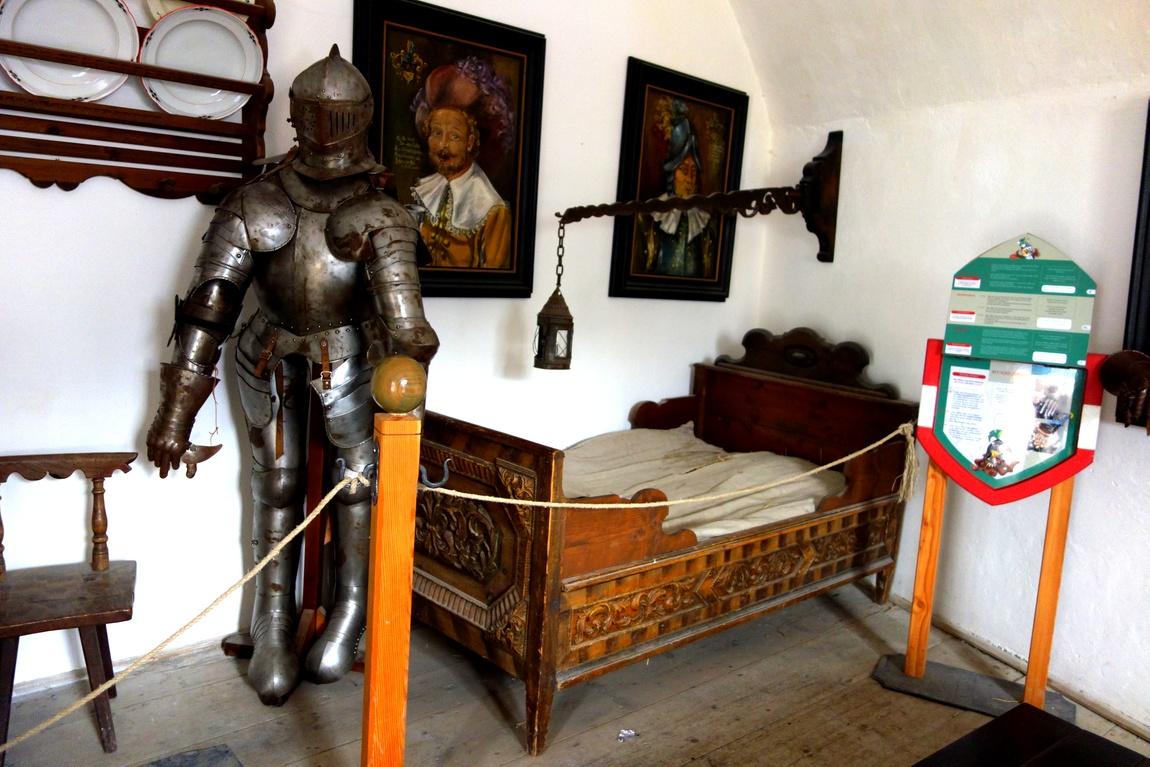 Комната рыцаря в замке Хоэнверфен