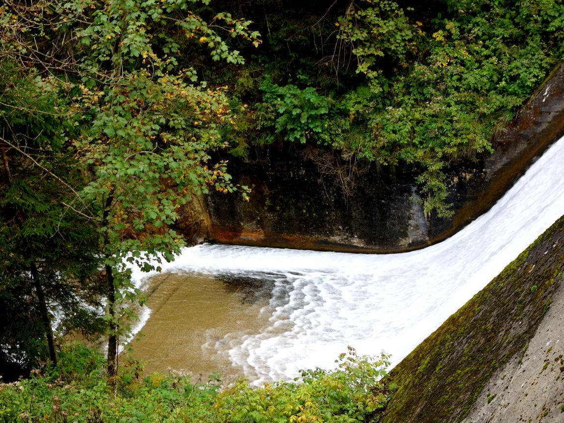 УщельеЗигмунд-Тун-Кламм в Австрии и водопад