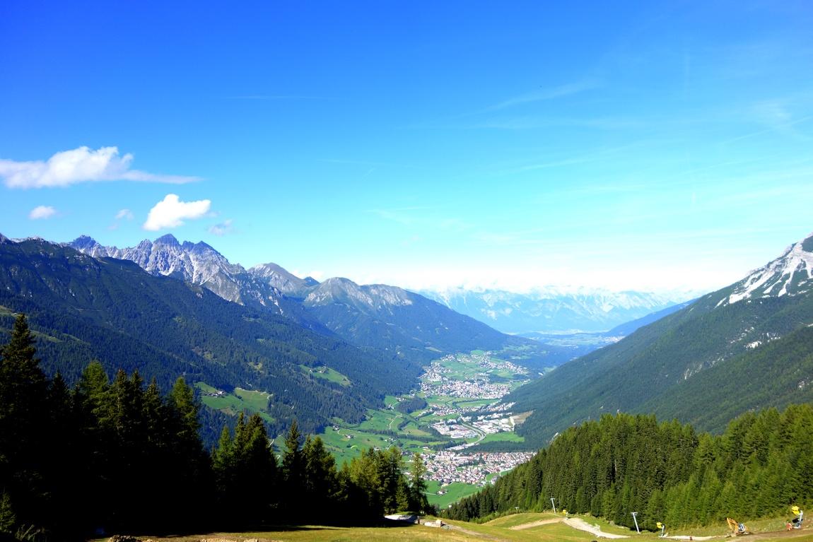 Горы Elfer в Австрии и долина Штубай