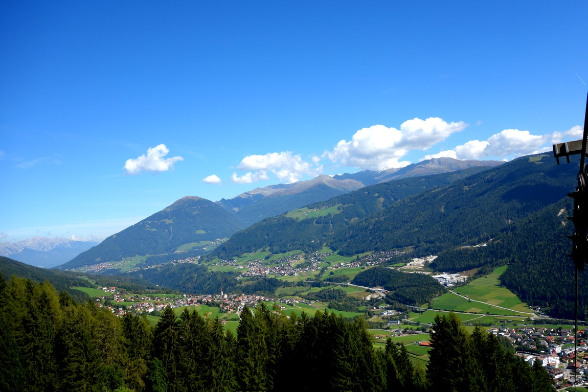 Панорама на долину Штубай с горы Фулпмес (Австрия)