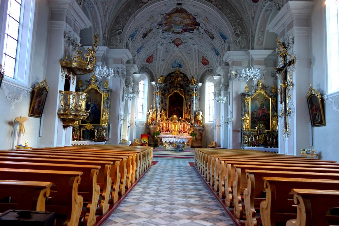 Храм в посёлке Фулпмес Австрия