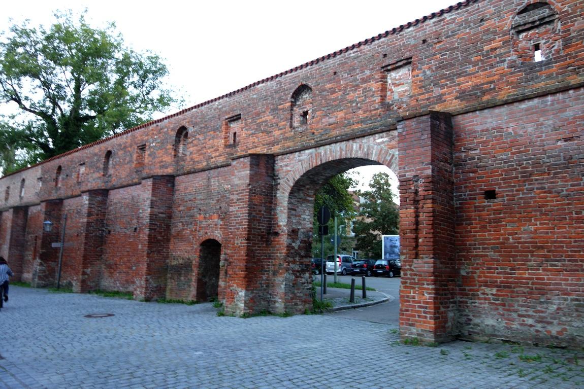 Мемминген - Германия - старинные стены