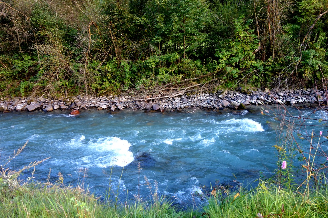 Река в пос. Нойштифт